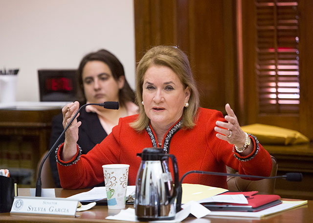 Photo of Houston Democrat Sylvia Garcia Announces Resignation from Texas Senate